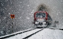 01_Snowfall-in-Srinagar